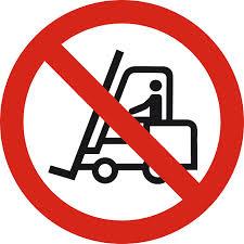 A gépkezelői jogosítvánnyal nem targoncát vezetünk