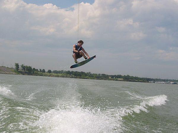 egyre több helyen lehet wakeboardozni a Balatonon
